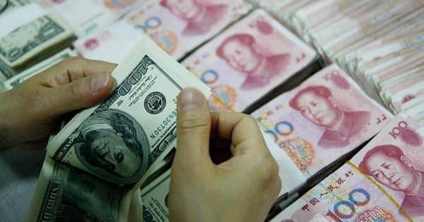 Новое рекордное вложение Центробанка в юань и колоссальный проигрыш своих резервов
