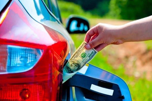 Литр бензина за 100 рублей: очередная страшилка или объективное будущее?