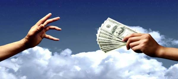 стоит ли давать в долг знакомым