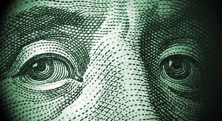 Курс доллара упал ниже 63 рублей