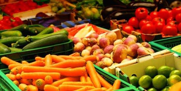 овощи в магазине