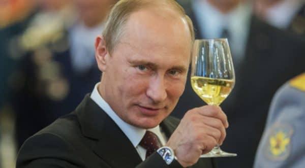 Рейтинг Путина - 90%